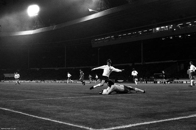 Contra a Inglaterra, a Polônia jogou como gente grande e saiu de Wembley classificada.