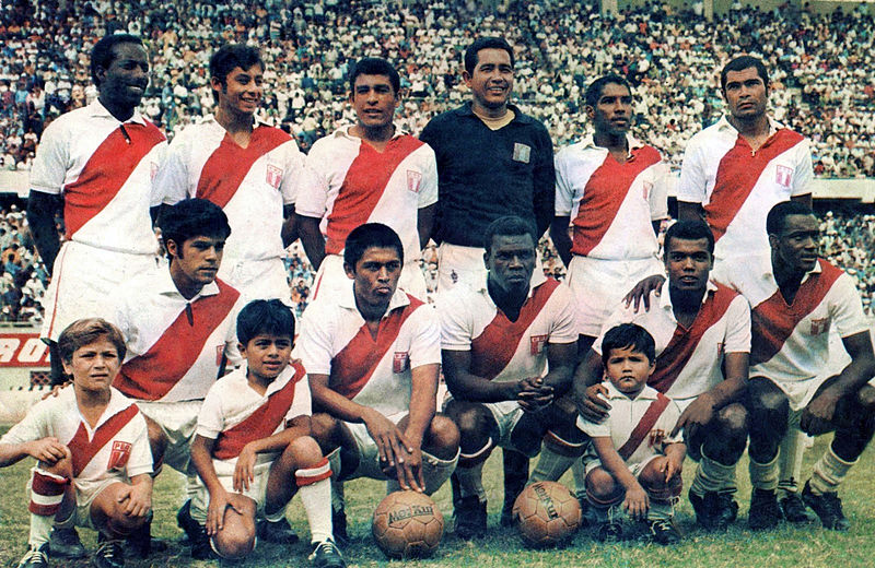 Peru_1970_National_Football_Team_(digital_restoration)